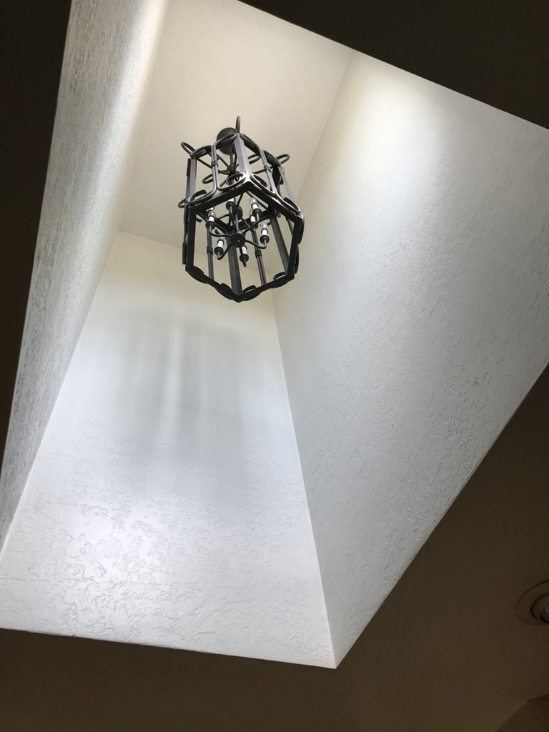Accent light in foyer