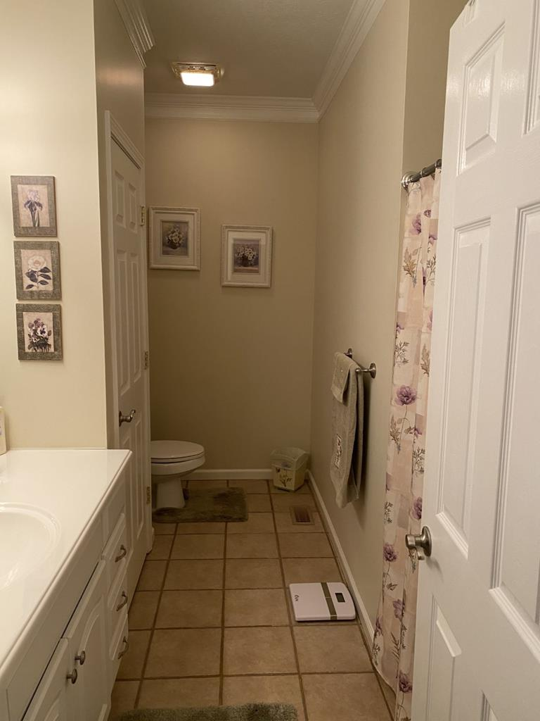 Hall bath located across from bedroom 1